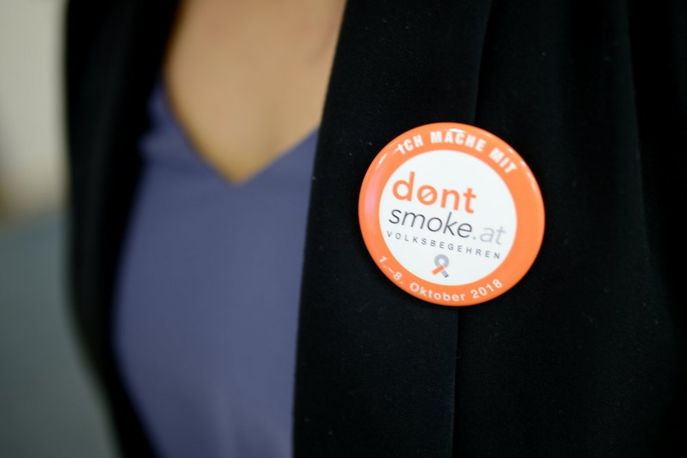 Button Don't Smoke